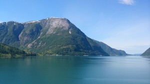 über den Fjord bei Jondal